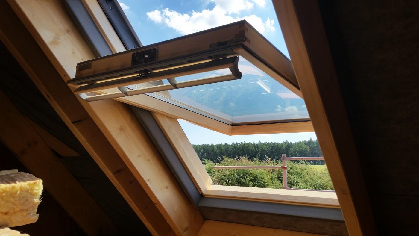 dachfenster eingesetzt baublog von saskia alexanderbaublog von saskia alexander. Black Bedroom Furniture Sets. Home Design Ideas